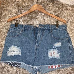 NWOT American Flag Pocket Jean Shorts